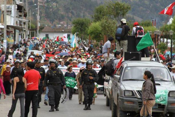 Multitudinaria movilización en la ciudad de Cajamarca