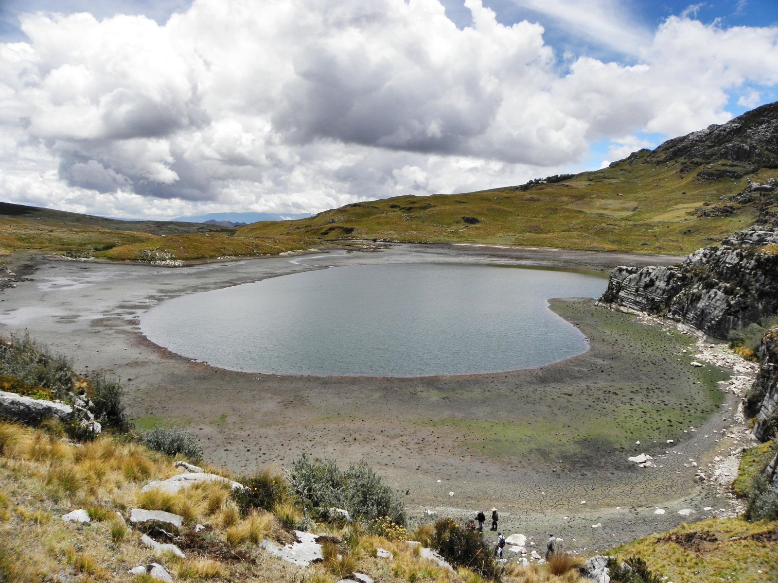 Yanacocha d a mundial del agua y fotograf as de for Lagunas artificiales construccion