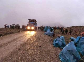 Lluvia al amanecer, alturas de Conga, primeros días de abril de 2014. Los heroicos guardianes de las lagunas cajamarquinos resisten en condiciones inhumanas la imposición de la megaminería en la zona.